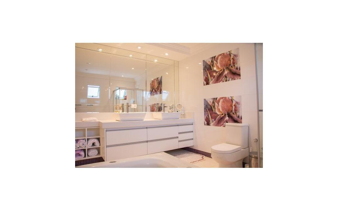 Remarkable How Much Does A Bathroom Renovation Cost Get Our Top 10 Beutiful Home Inspiration Ommitmahrainfo